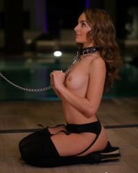 Красивая эротика бдсм сексуальной Kimmy Granger